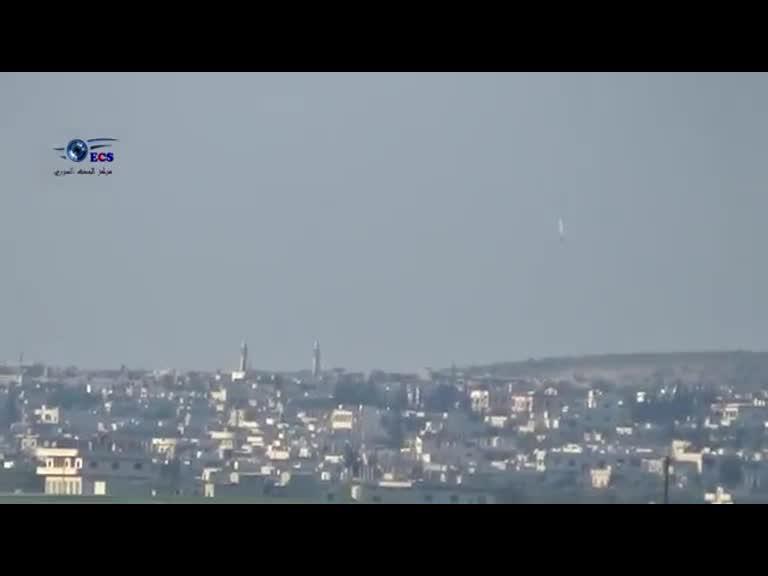 بمباران مواضع تکفیریها در حومه «حماه» سوریه