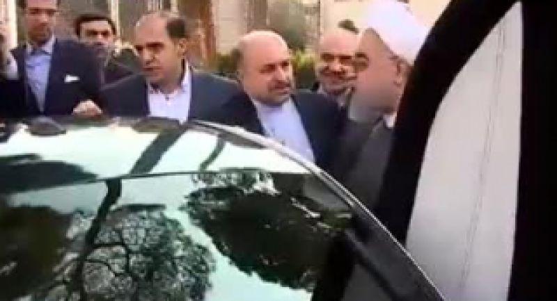 رانندگی رئیس جمهوری با خودرو برقی یوز