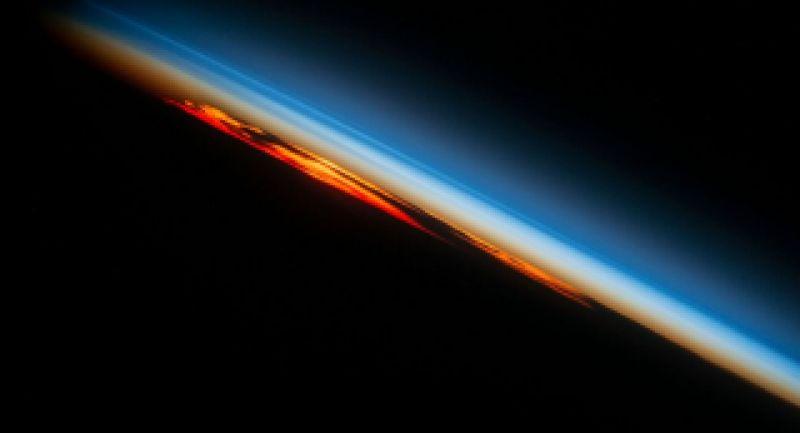اثبات صحت شق القمر توسط دانشمندان ناسا