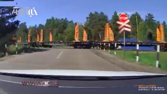 عاقبت عجله کردن برای عبور از ریل راه آهن!