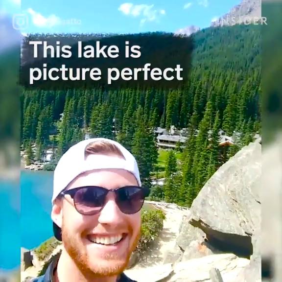دریاچه خیره کننده تغییر رنگ در هر فصل