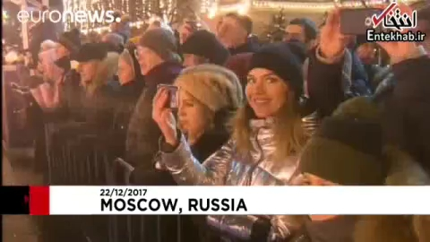 فیلم/ ویدئوی بازی هاکی روی یخ پوتین در میدان سرخ مسکو