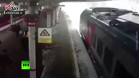 فیلم/ سقوط ناگهانی برف بر روی قطار در ایستگاه مسکو