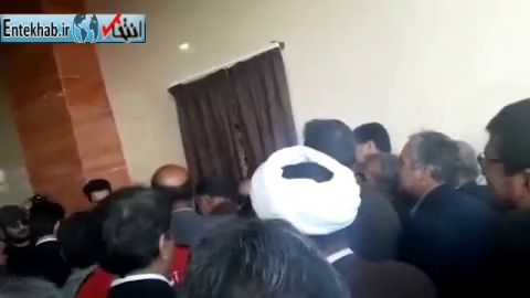 فیلم/ جنجال نماینده شهریار به خاطر نوشته نشدن نامش در بنر تشکر!