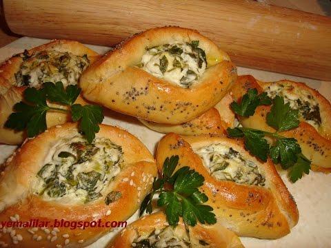 غذای افطار-نان پنیری-تزیین سفره افطار