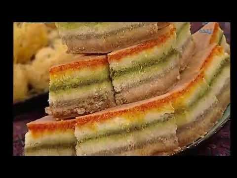 شیرینی پزی- باقلوای سه گوش و سه رنگ