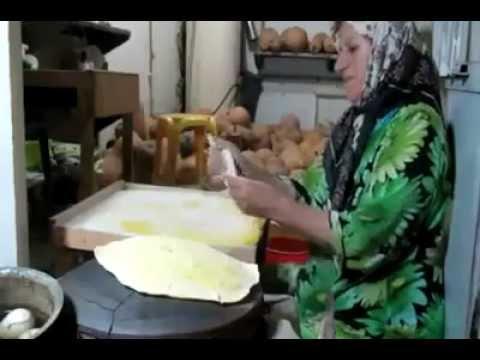 پخت نان-تهیه نان خلفه داغ لاهیجان