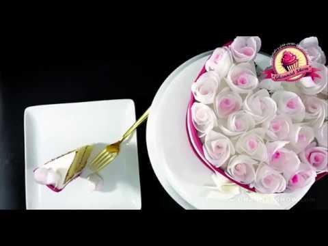 کیک پزی-طرز تهیه کیک با ایده سبد گل و گلهای کاغذ ویفر