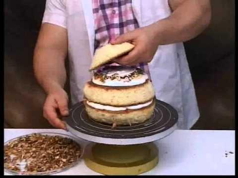 کیک پزی-  آموزش کیک کفشدوزک
