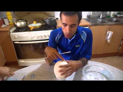 آشپزی ساده-.طرز تهیه املت با تخم شتر مرغ
