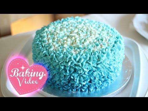 ایده تزیین کیک تولد پسرونه با خامه آبی