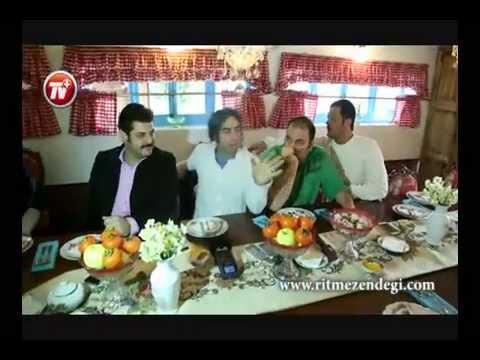 بُمبی که رضا قوچان نژاد در «خونه» سام درخشانی منفجر کرد/پشت صحنه جذاب فوتبال دیدن ستاره ها
