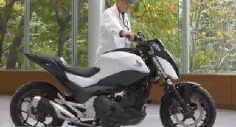 حفظ تعادل موتورسیکلت هوندا شما را شگفت زده میکند!