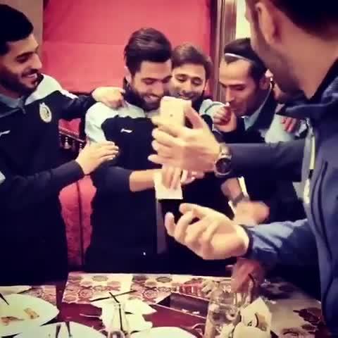جشن تولد فرشید اسماعیلی بازیکن استقلال در اردوی امارات با موزیک زیبا