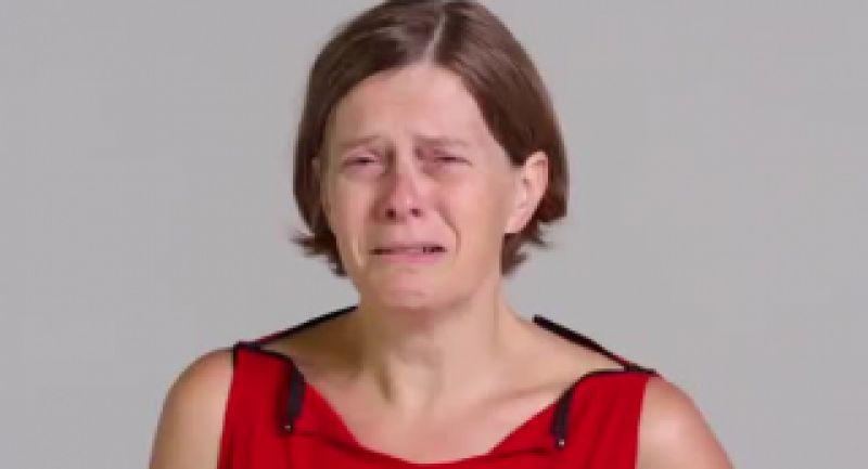 ویدیویی جالب که نحوه گریه کردن متفاوت 100 نفر را نشان میدهد!