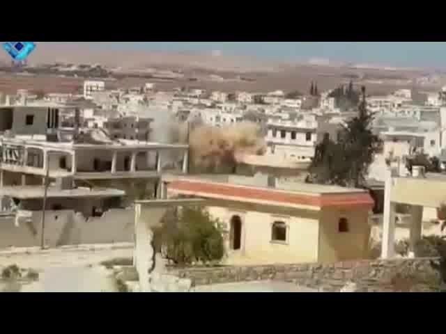 «مردم حلب، ناامید به نجات در خانه هایشان در انتظار مرگ نشسته اند»