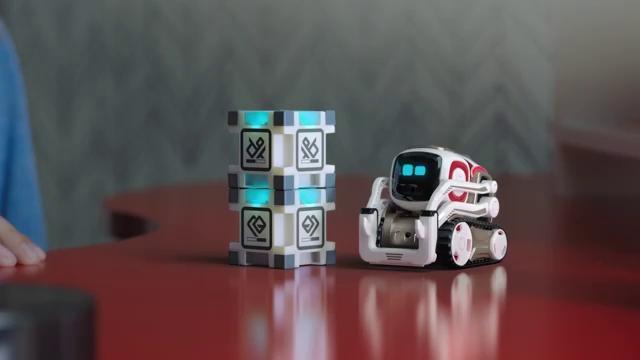 ربات کوچک Anki Cozmo - یکی از بهترین اسباب بازی های تکنولوژیکی در سال 2016