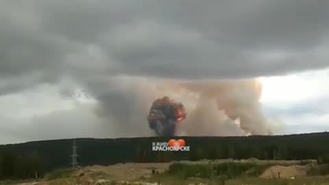 8 زخمی و یک کشته در آتش سوزی انبار مهمات توپخانه در منطقه سیبری روسیه