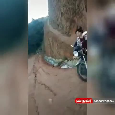 زنان موتورسوار و عبور کردن از مسیرهای صعب العبور